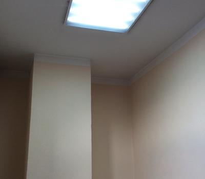 Монтаж светодиодного светильника 3-й подъезд седьмой этаж