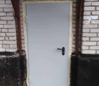 Установка входных дверей в МКД по ул. Дорожный Тупик